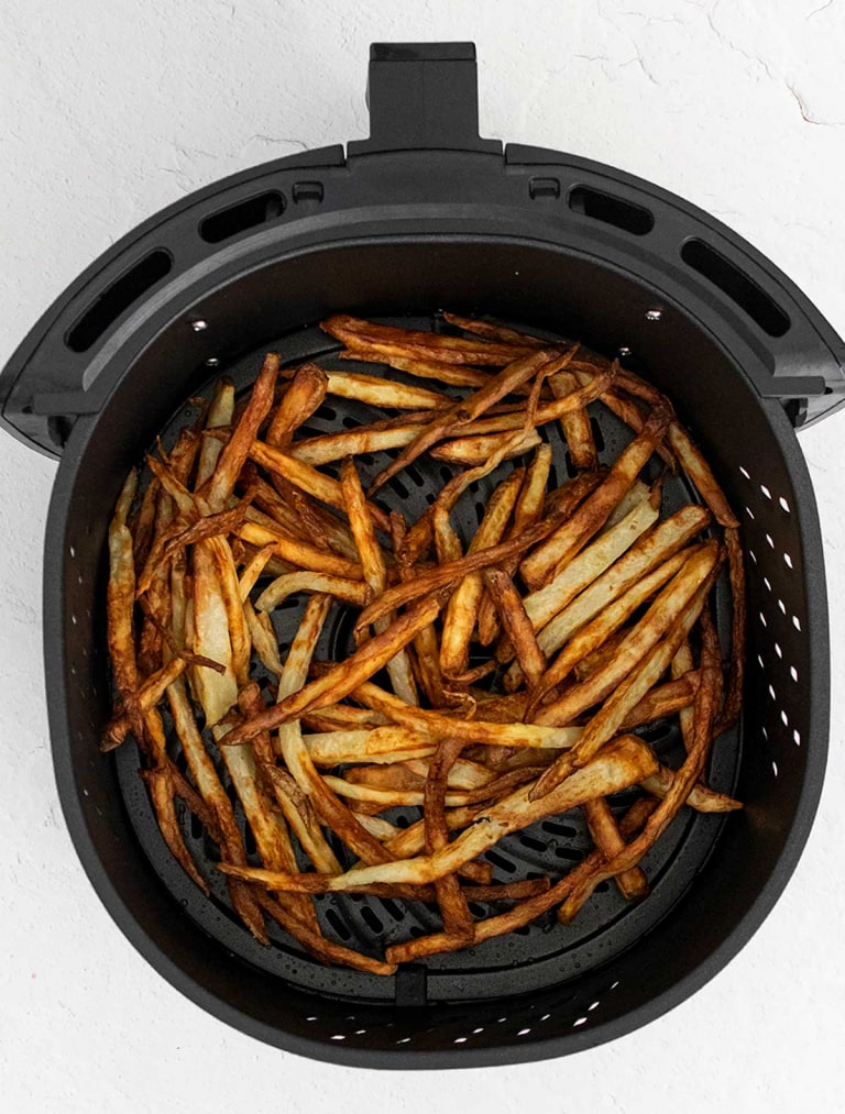 Crispy Garlic and Parmesan French Fries in the Air Fryer. Easy recipes and directions for air fryer meals, sides and desserts at costcontessa.com
